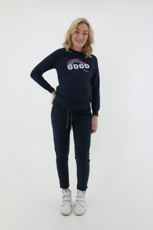 SWEATER GOOD VIBES logo